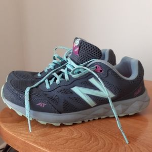New Balance Womens Sneakers Size 10
